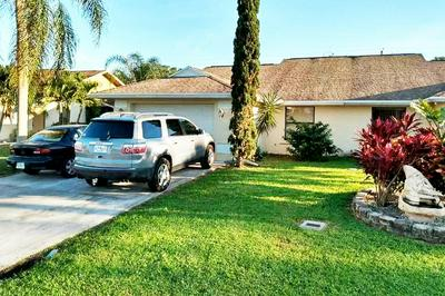 32 SE TAHO TER, Stuart, FL 34997 - Photo 2