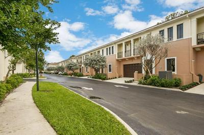 2420 VENETIAN WAY # 2420, Boynton Beach, FL 33426 - Photo 2