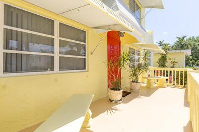 422 N LAKESIDE DR, Lake Worth Beach, FL 33460 - Photo 2