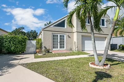 11 CASTON WAY, Boynton Beach, FL 33426 - Photo 2