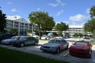 2401 VILLAGE BLVD APT 101, West Palm Beach, FL 33409 - Photo 2