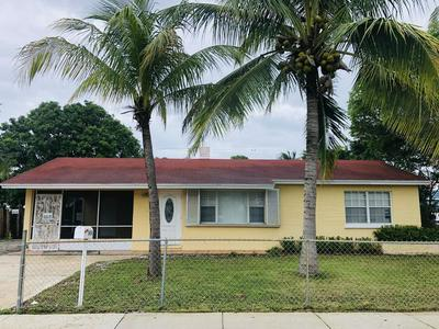1414 S L ST, Lake Worth Beach, FL 33460 - Photo 1