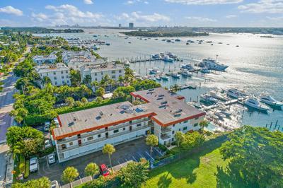 220 LAKE DR APT 302, Palm Beach Shores, FL 33404 - Photo 1