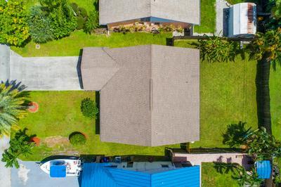5917 SE COLLINS AVE, Stuart, FL 34997 - Photo 2