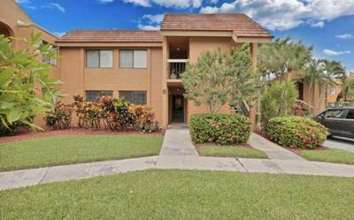 11255 GREEN LAKE DR APT 203, Boynton Beach, FL 33437 - Photo 1
