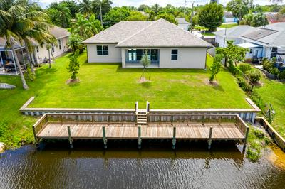 693 SE WHITMORE DR, Port Saint Lucie, FL 34984 - Photo 2