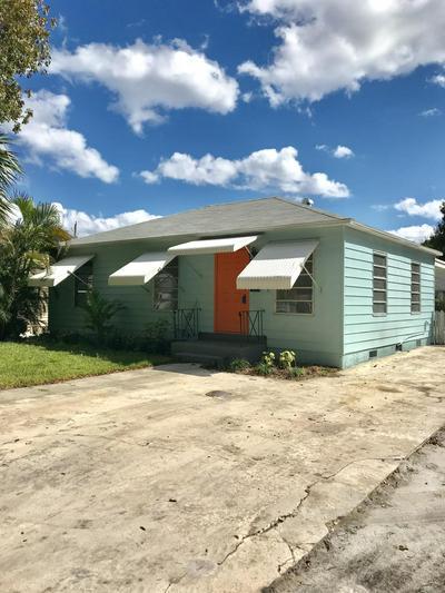 824 WINTERS ST, West Palm Beach, FL 33405 - Photo 1