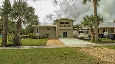 9106 SE VENUS ST, Hobe Sound, FL 33455 - Photo 1