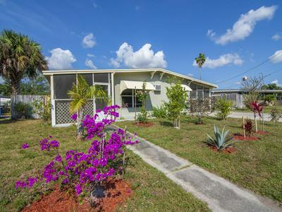 2015 HILLS CT, FORT PIERCE, FL 34950 - Photo 1
