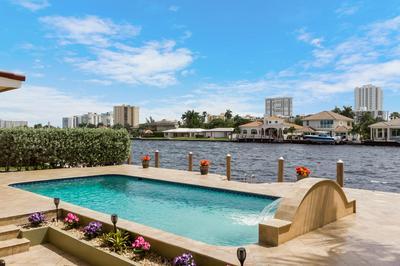 2722 SE 9TH ST, Pompano Beach, FL 33062 - Photo 2