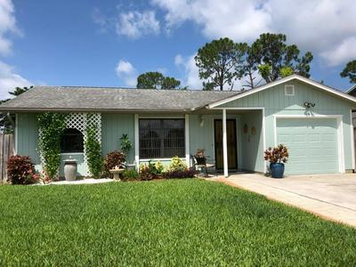 5628 SE AVALON DR, Stuart, FL 34997 - Photo 2