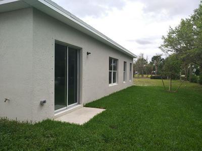 5372 OAKLAND LAKE CIR, FORT PIERCE, FL 34951 - Photo 2