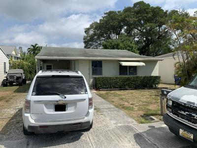 611 SW 9TH ST, Fort Lauderdale, FL 33315 - Photo 1