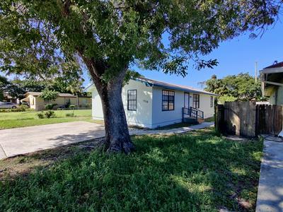 1316 W 32ND ST, Riviera Beach, FL 33404 - Photo 1