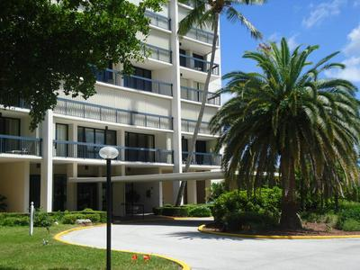 2425 PRESIDENTIAL WAY APT 404, West Palm Beach, FL 33401 - Photo 1