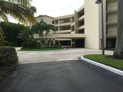 221 NE PLANTATION RD APT 216, Stuart, FL 34996 - Photo 1