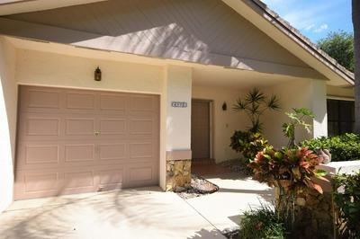 4952 BOXWOOD CIR, Boynton Beach, FL 33436 - Photo 2