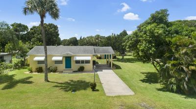 205 GARDEN AVE, Fort Pierce, FL 34982 - Photo 2