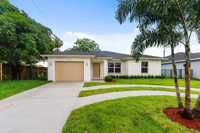 4711 LAKE AVE, West Palm Beach, FL 33405 - Photo 1