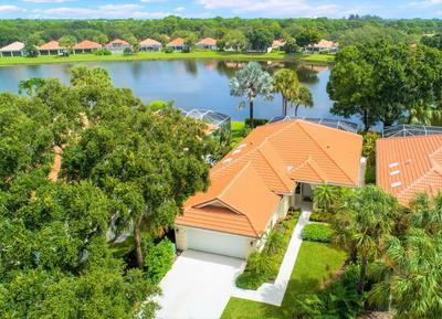 254 E TALL OAKS CIR, Palm Beach Gardens, FL 33410 - Photo 2