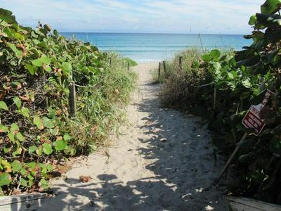 2760 S OCEAN BLVD APT 310, Palm Beach, FL 33480 - Photo 2