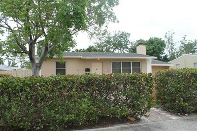 706 HOLLYWOOD PL, West Palm Beach, FL 33405 - Photo 2