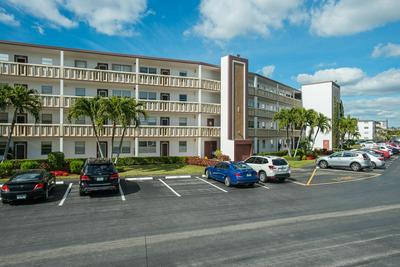 1082 GUILDFORD E, Boca Raton, FL 33434 - Photo 1