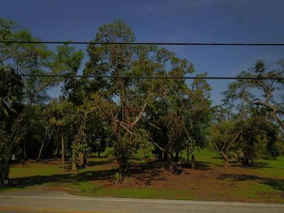 871 E MAIN ST, Pahokee, FL 33476 - Photo 1