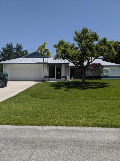1525 SE CROWN ST, Port Saint Lucie, FL 34983 - Photo 2