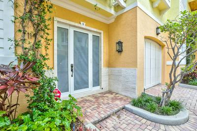 4332 SEAGRAPE DR APT 11, Lauderdale By The Sea, FL 33308 - Photo 2