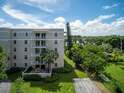 869 VIA CABANA APT 3A, Boca Raton, FL 33432 - Photo 2