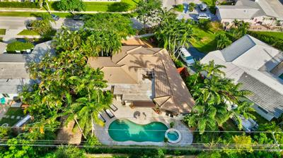 699 SW 8TH TER, Boca Raton, FL 33486 - Photo 2