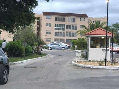 2800 SOMERSET DR APT 106J, Lauderdale Lakes, FL 33311 - Photo 2