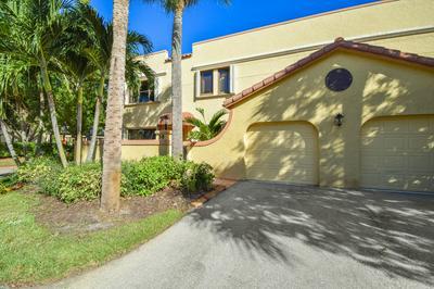 58 UNO LAGO DR, Juno Beach, FL 33408 - Photo 2
