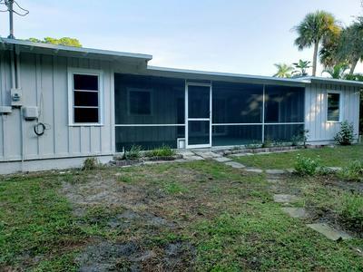 561 SW MANOR DR, STUART, FL 34994 - Photo 2