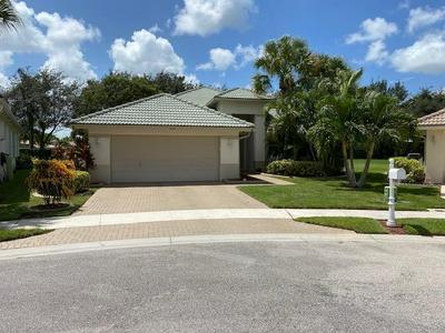 9162 BAY HARBOUR CIR, West Palm Beach, FL 33411 - Photo 2
