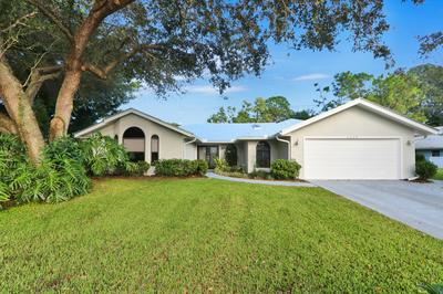 4923 SW LANDING CREEK DR, Palm City, FL 34990 - Photo 1