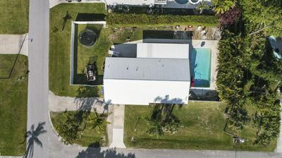 8209 SE SWEETBAY DR, Hobe Sound, FL 33455 - Photo 1