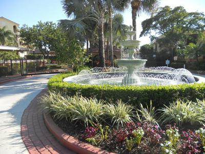 27 UNO LAGO DR, Juno Beach, FL 33408 - Photo 1