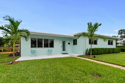 255 NE 6TH CT, Boca Raton, FL 33432 - Photo 2