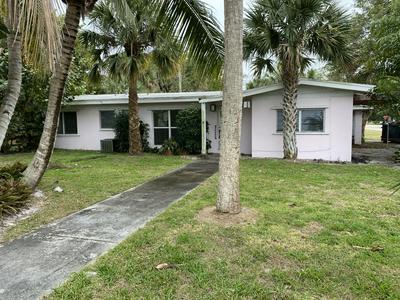 1100 SE THERESA ST, Stuart, FL 34996 - Photo 2