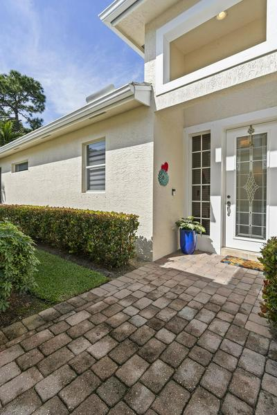 4542 SE BRIDGETOWN CT, STUART, FL 34997 - Photo 2