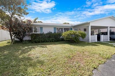 924 SE 10TH CT, Pompano Beach, FL 33060 - Photo 2