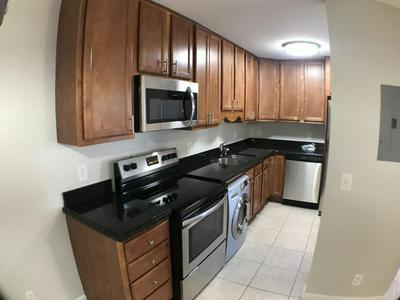 102 N LAKESIDE DR APT 8, Lake Worth Beach, FL 33460 - Photo 2