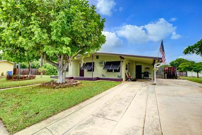 1037 W JENNINGS ST, Lantana, FL 33462 - Photo 2