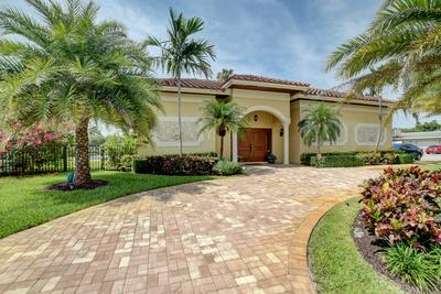 700 BERKELEY ST, Boca Raton, FL 33487 - Photo 2