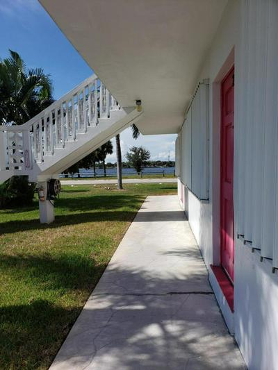 2180 LAKE OSBORNE DR APT 3, Lake Worth, FL 33461 - Photo 2