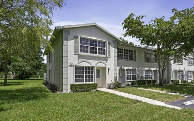 3715 SAVOY LN APT A, West Palm Beach, FL 33417 - Photo 2