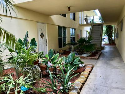 733 HUMMINGBIRD WAY APT 10, North Palm Beach, FL 33408 - Photo 2