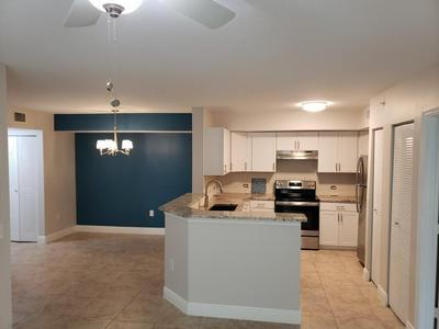 206 VILLA CIR, Boynton Beach, FL 33435 - Photo 2